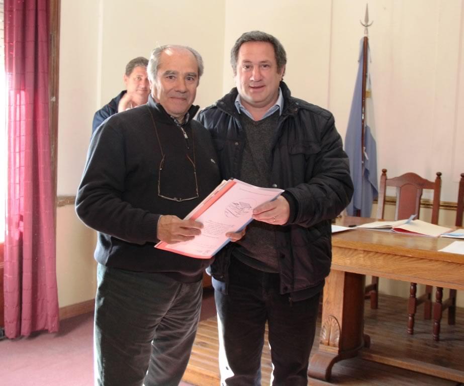 La Municipalidad de San Miguel entregó bienes de familia a través de escrituras para vivienda