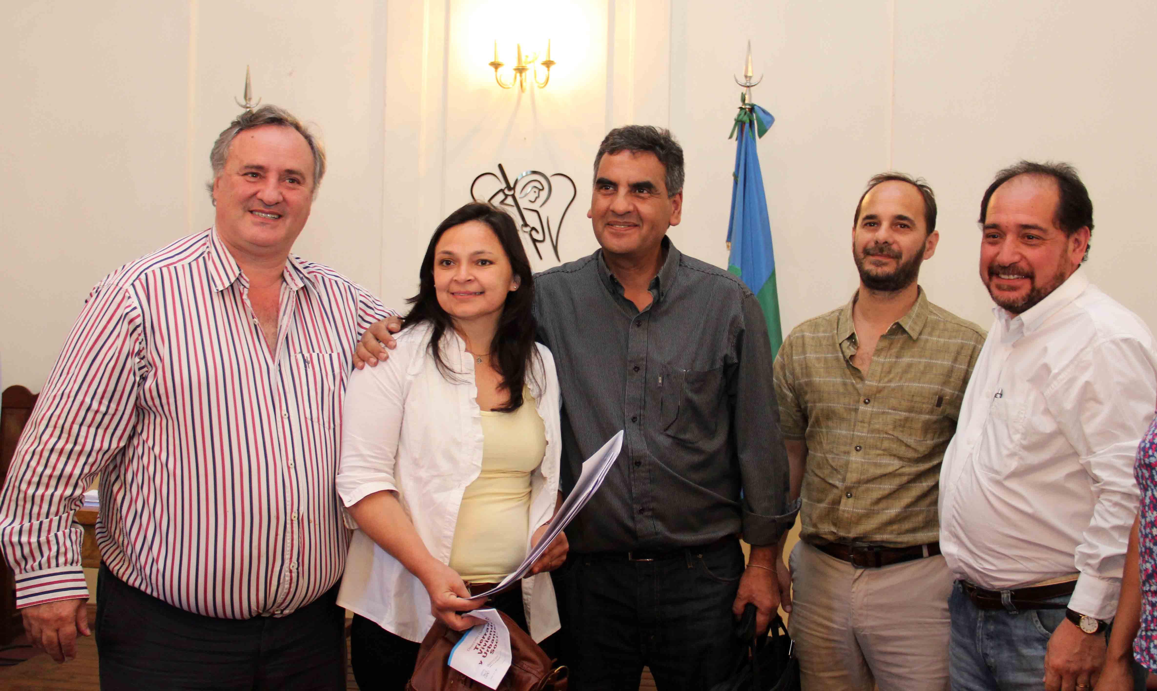 Joaquín de la Torre entregó Planos de Mensura Social a familias de San Miguel