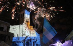 El pueblo de San Miguel festejó unido el Bicentenario de la independencia Patria