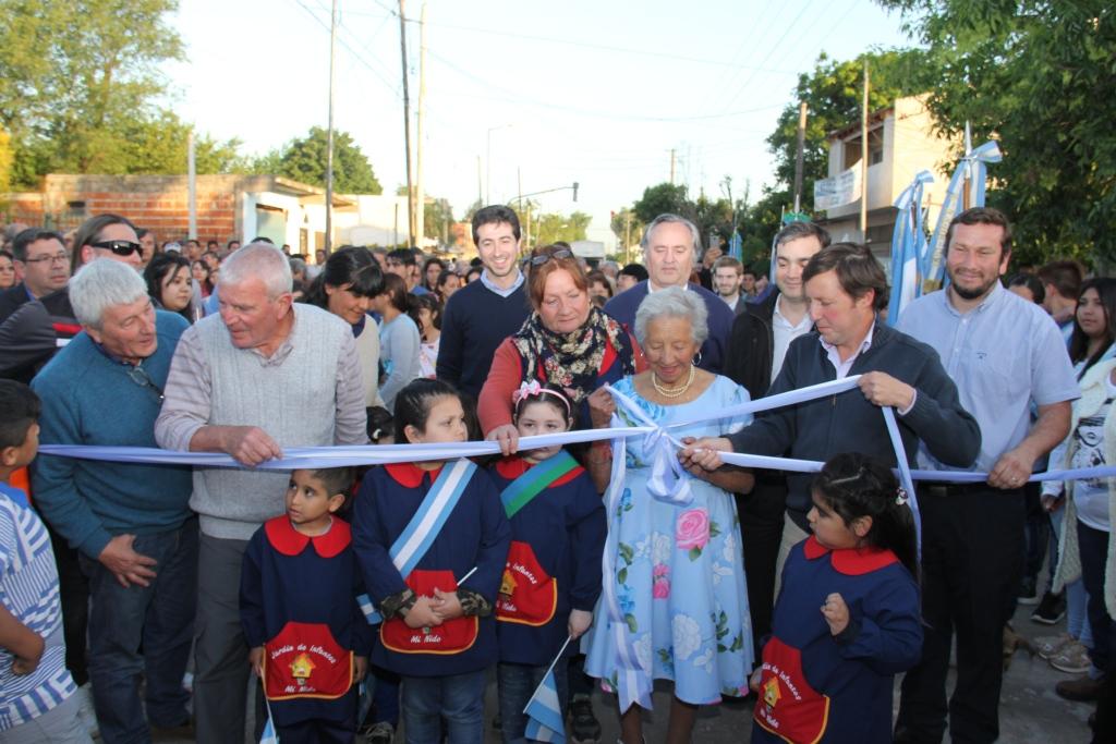 Con Cenzón y De la Torre, se inauguró un nuevo pavimento e hidráulica en San Miguel